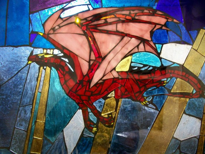 crimson_dragon___stained_glass_by_belinofente